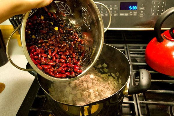 cooking one-pot chili