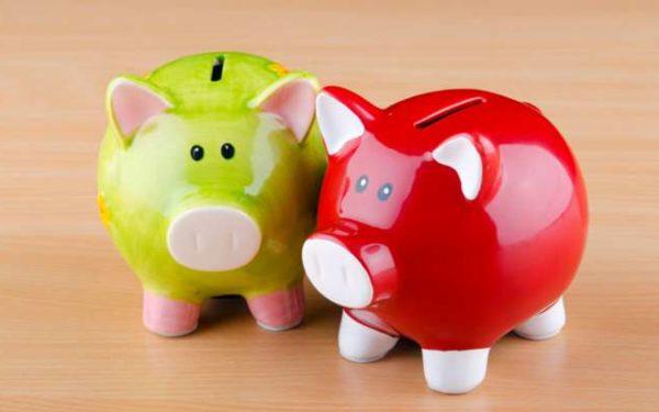 two piggy banks - roth ira vs traditional ira