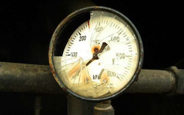 broken pressure guage