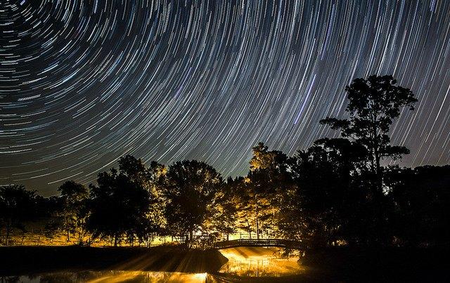 stars at night leaving circular trail