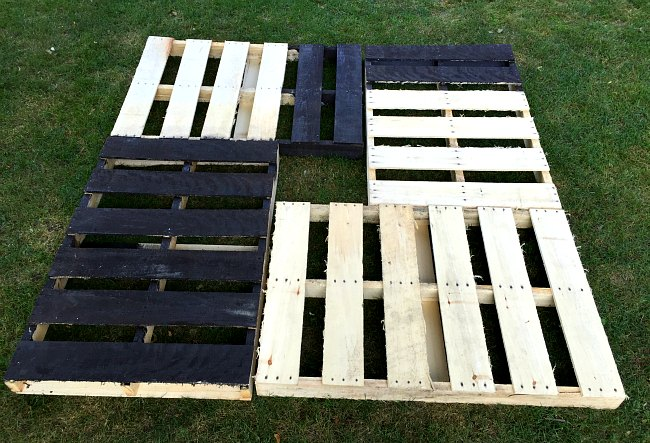 DIY bed frame from wood pallets