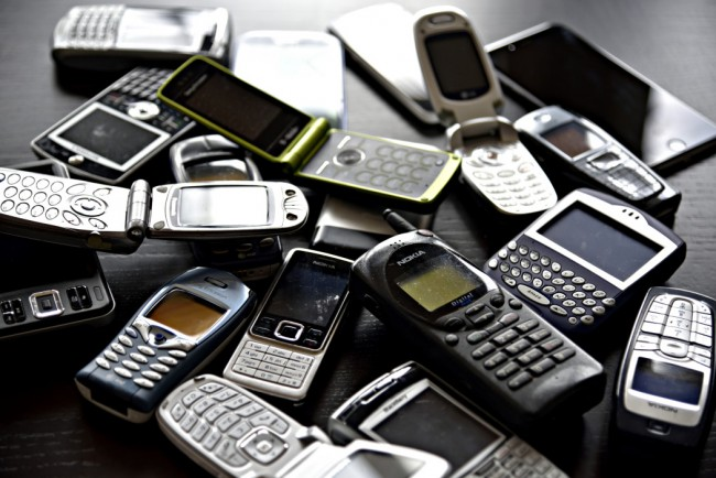 gadget graveyard of old cell phones