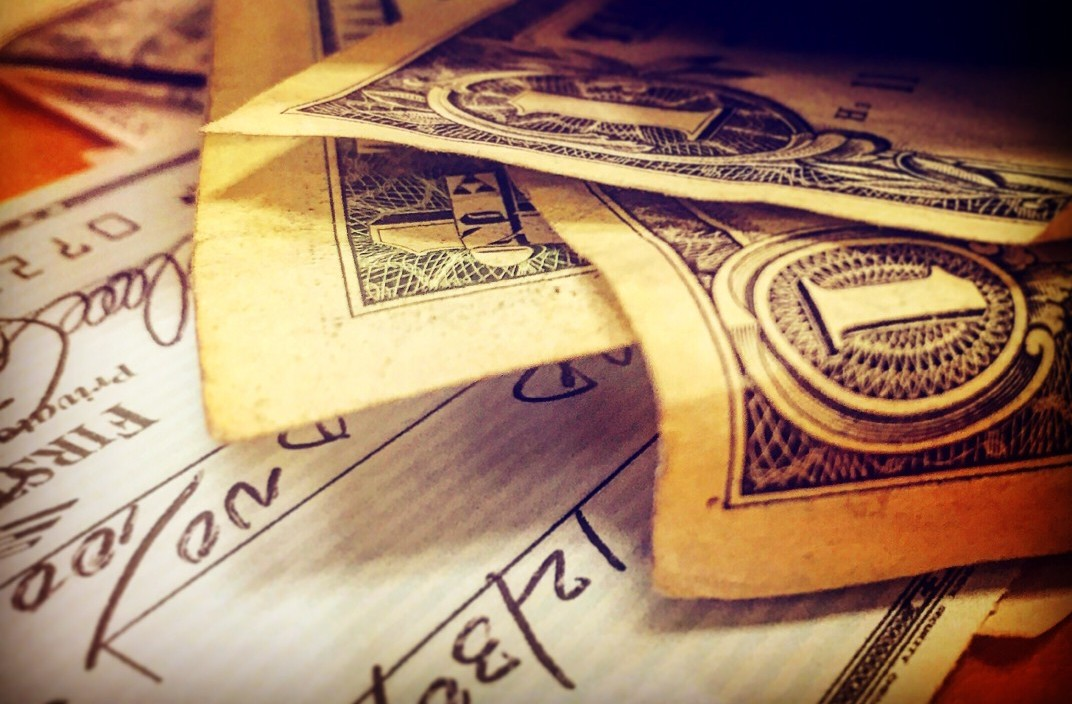 How to Cash a Check (and Skip the High Fees) - The Simple Dollar