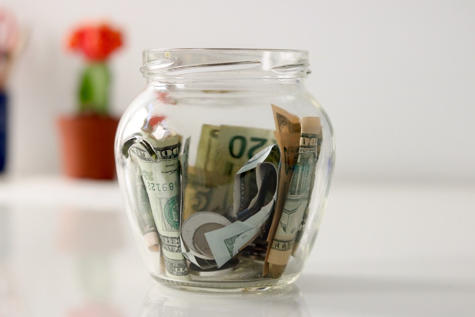 cash in a jar - types of savings accounts
