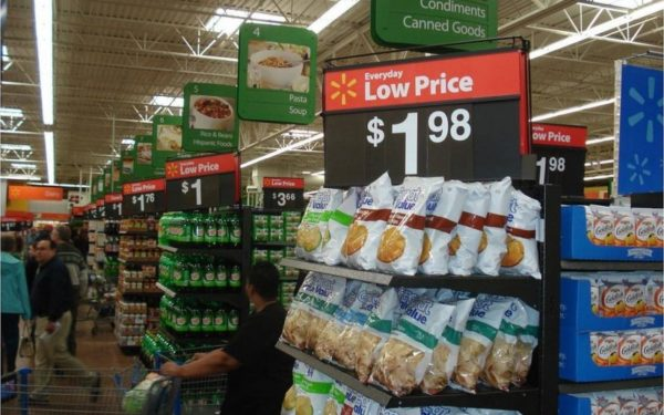 Walmart low prices - photo by portal abras via flickr