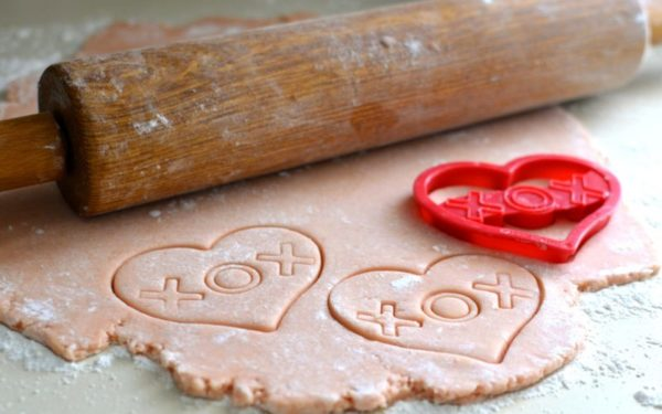 heart shaped cookies - frugal valentine's day gifts