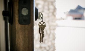keys in door lock -