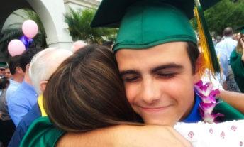 graduate hugging mom - parent plus loan