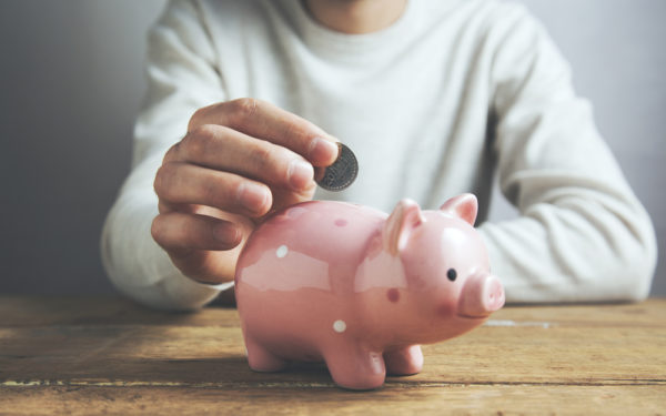 saving money in piggy bank - what is a cd or certificate of deposit