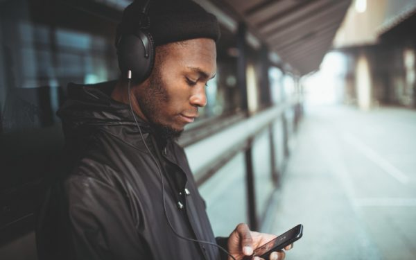 man listening to music - best streaming sites for free music online